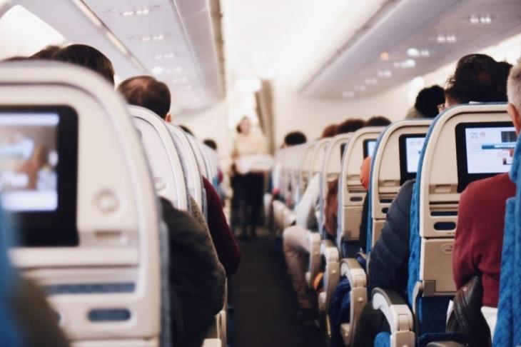 בדיחה על שני איראנים ויהודי על מטוס: מושבי מטוס