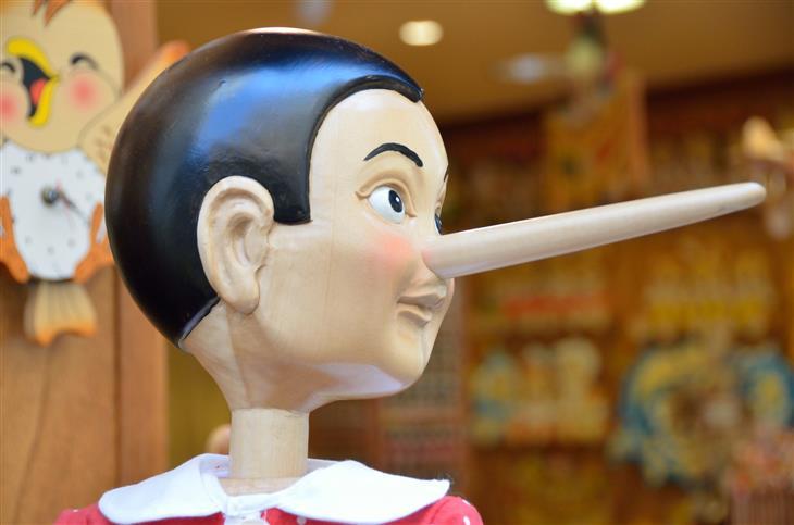 איך לזהות נוכלים: בובה של פינוקיו