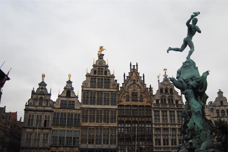 הפרובינציות של בלגיה: פסל ומבנים באנטוורפן
