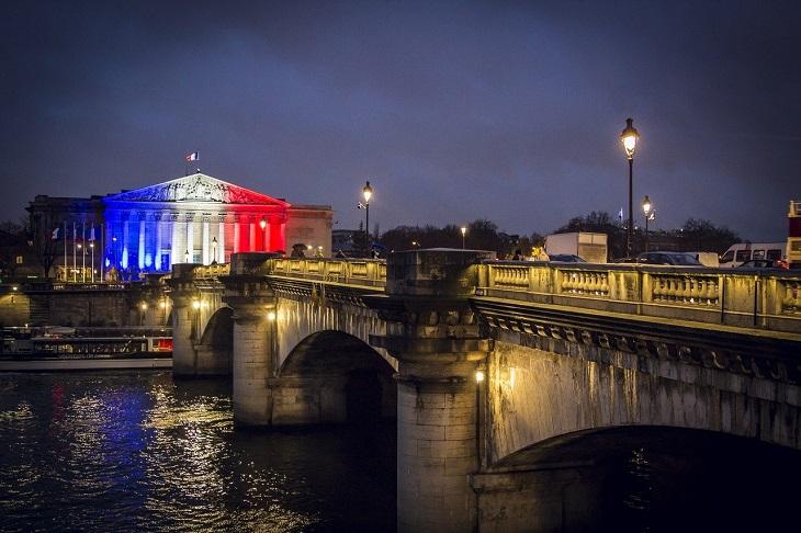 בדיחה על שם של ילד צרפתי: נוף של פריז