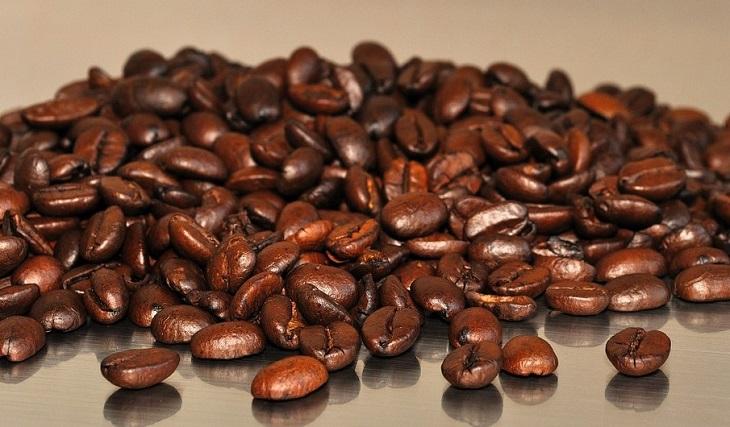 טיפים לשמירה על מכונת קפה: פולי קפה
