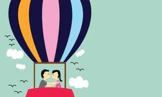 כתבות העשור של בא-במייל: איור של זוג מתנשק בכדור פורח