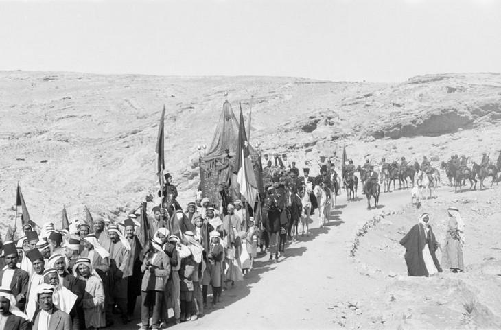 תמונות היסטוריות: תהלוכת חתונה בעמאן, ירדן, 1930.
