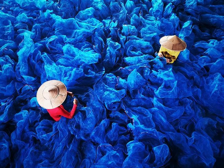 """תמונות מתחרות פרסי הצילום בטלפון הנייד: """"החיים בצבע"""", צילום: Hlaing Myint Min"""