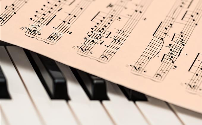 טריוויה: דף תווים על קלידי פסנתר