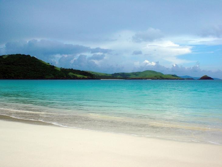 חופים מומלצים בפיליפינים: חוף מאהאבנג בוהנגין