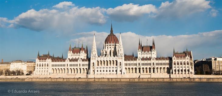 מסלול טיולים של שבוע בהונגריה: בניין הפרלמנט ההונגרי