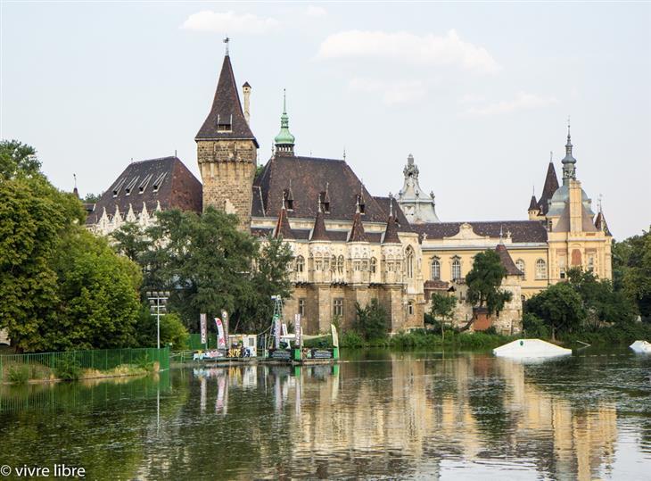 מסלול טיולים של שבוע בהונגריה: טירת ויידהוניאד