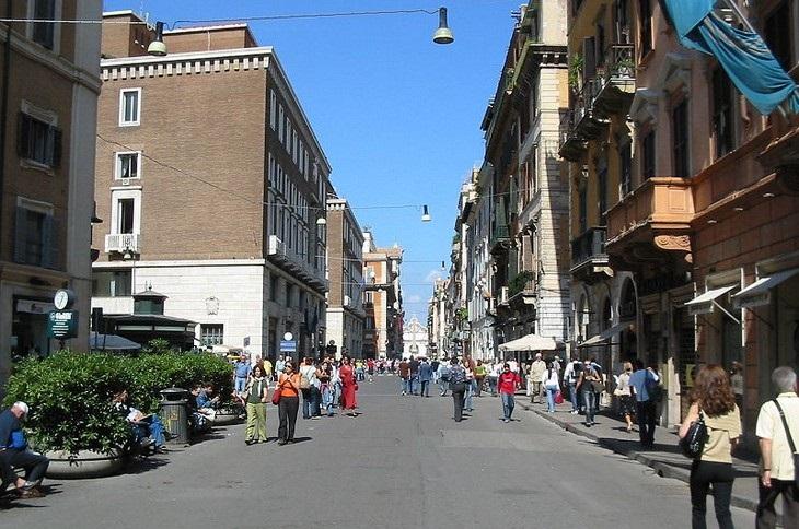 מרכזי קניות מומלצים באירופה: ויה דל קורסו, רומא, איטליה