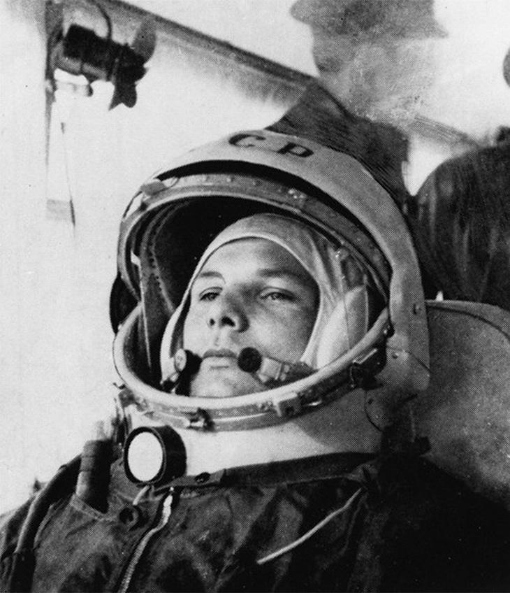 רגעים היסטוריים נדירים: יורי גגרין לקראת שיגור לחלל