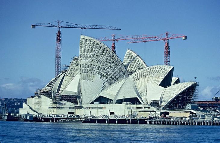 אתרים מפורסמים בזמן בנייתם: בית האופרה בסידני