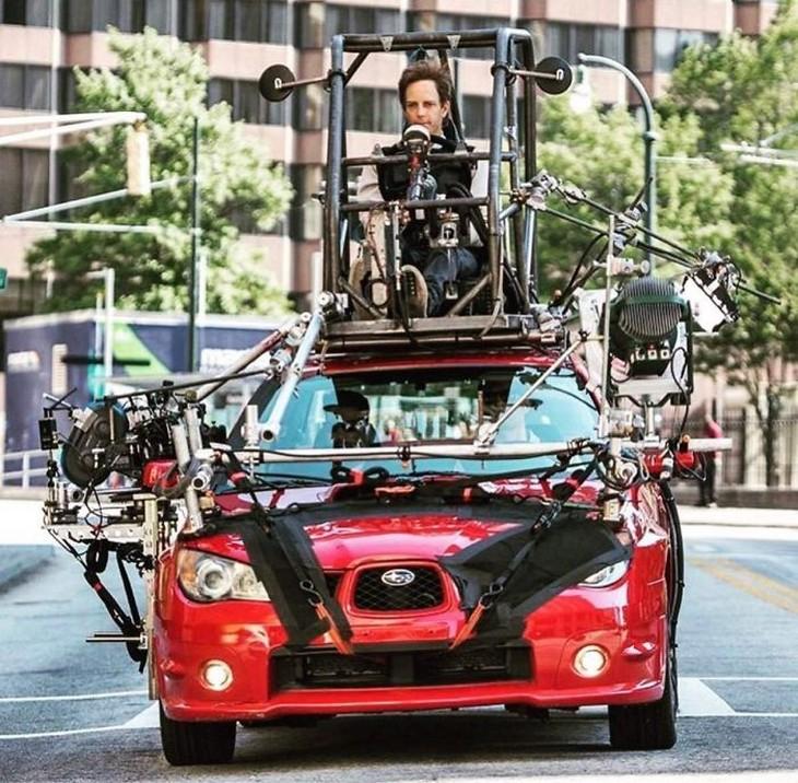 מאחורי הקלעים של דברים שונים: מאחורי הקלעים של סצנת נהיגה ברכב