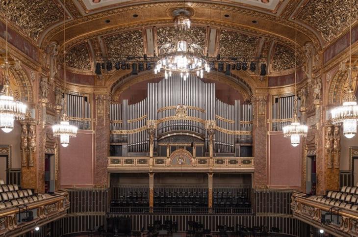 צילום עירוני: אולם מופעים באקדמיה למוזיקה בבודפשט