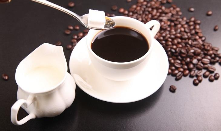 תזונה ללא סוכר: קפה עם סוכר