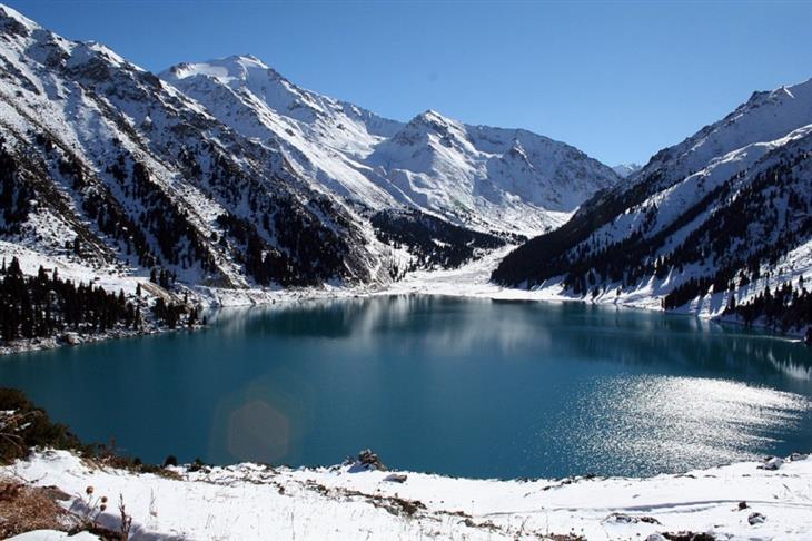 אתרים בקזחסטן: אגם אלמטי