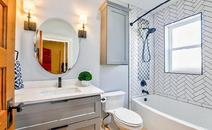 ניקיון הבית לפסח: חדר מקלחת ושירותים