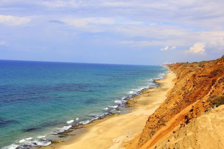 מסלולי טיול ברצועת החוף: שמורת חוף השרון