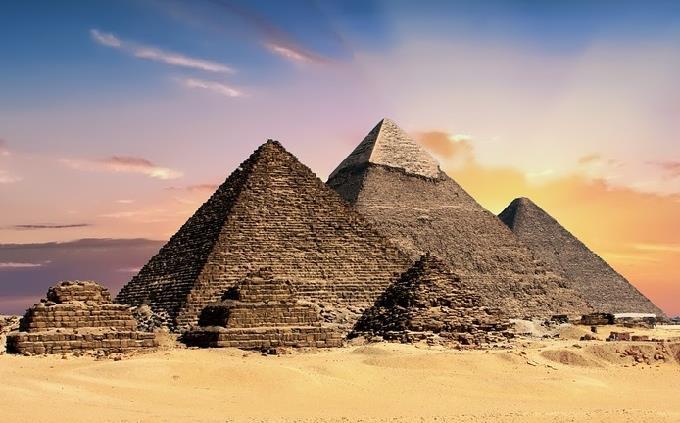 הגדה של פסח: פירמידות