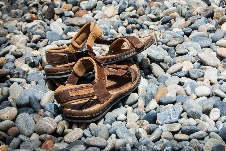 נעליים לקיץ: סנדלים