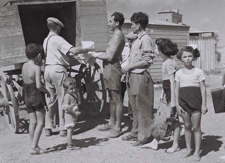 תל אביב: חלוקת קרח באבו כביר