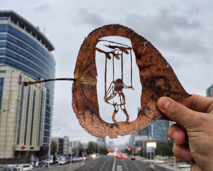 אמנות מעלי שלכת: בובה על חוט