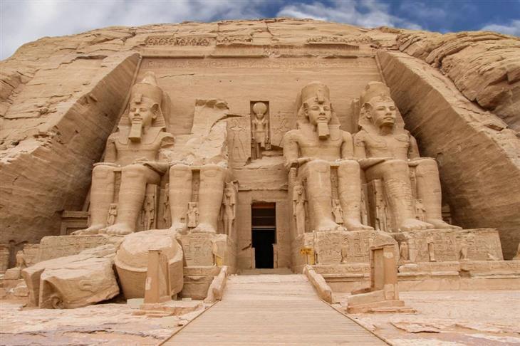 מקומות מדהימים בעולם: מקדשי אבו סימבל, מצרים