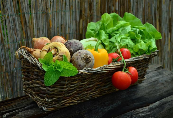 שאלות נפוצות שאנשים שואלים תזונאים: ירקות בסלסלה