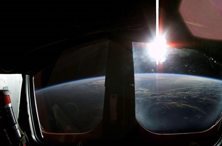 תמונות מהחלל של נאסא: זריחה ממעבורת החלל קולומביה