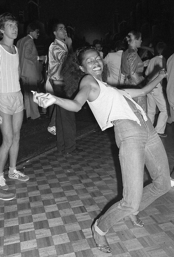 תמונות ממועדון סטודיו 54: דיאנה רוס רוקדת