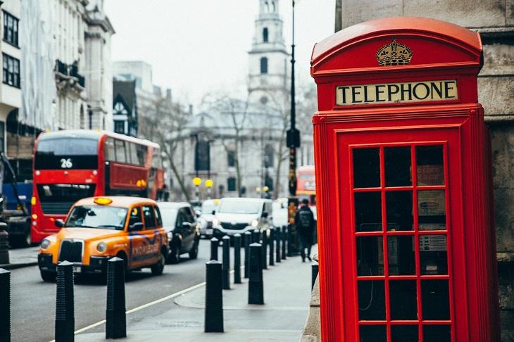 ערים ידידותיות לטבעונים ולצמחוניים: תא טלפון ברחוב בלונדון