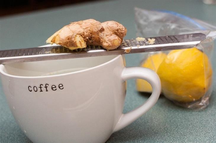 משקאות לטיפול בבעיות שונות בגוף: ג'ינג'ר על כוס