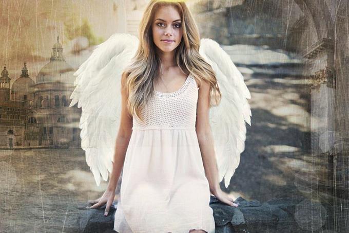 בחן את עצמך: אישה עם כנפי מלאך