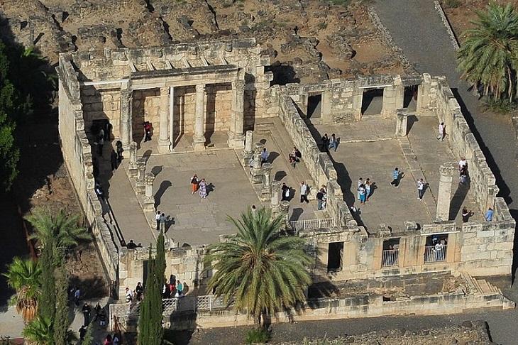 אתרים היסטוריים בצפון הארץ: בית הכנסת בכפר נחום