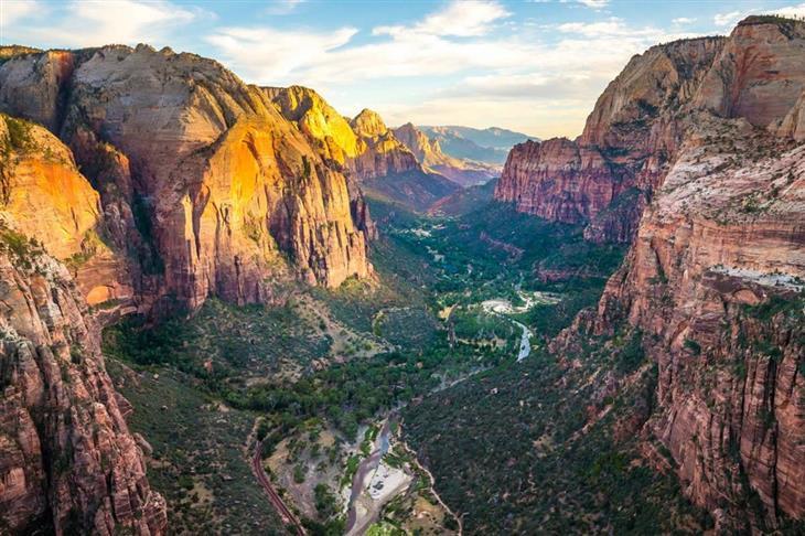 """מקומות מדהימים בעולם: הפארק הלאומי ציון, מדינת יוטה, ארה""""ב"""