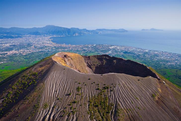 מקומות מדהימים בעולם: הר וזוב, סמוך לנאפולי, איטליה