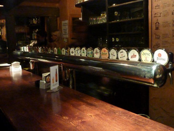 מוזיאונים מומלצים בפראג: בירה מהחבית במוזיאון הבירה של פראג