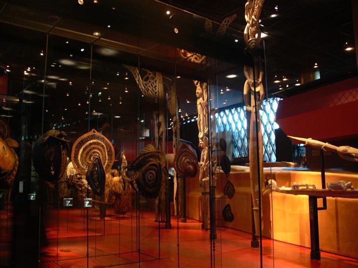 המוזיאונים המיוחדים בפריז: מוזיאון קה  ברנלי מבפנים