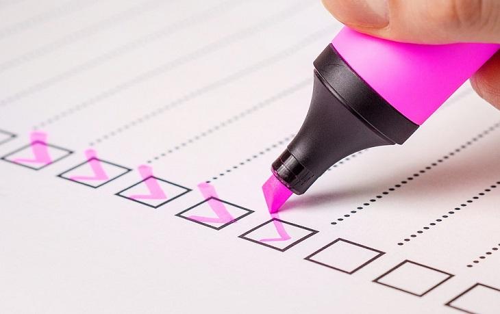 עצות לזוגיות ארוכה: סימון ברשימה עם מדגיש