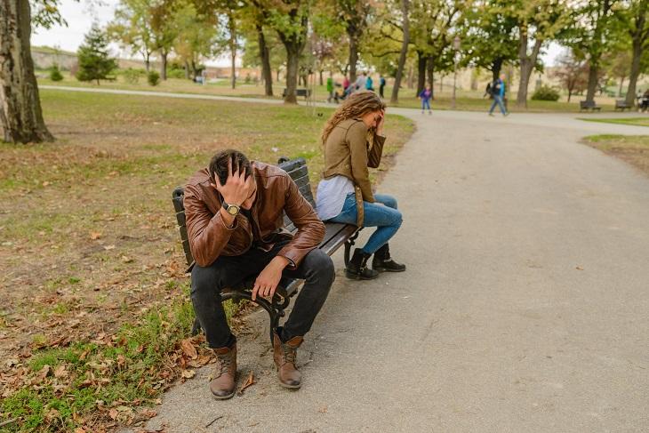 עצות לזוגיות ארוכה: זוג רב ברחוב