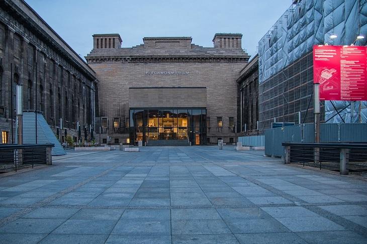 מוזיאונים בברלין: מבנה מוזיאון פרגמון