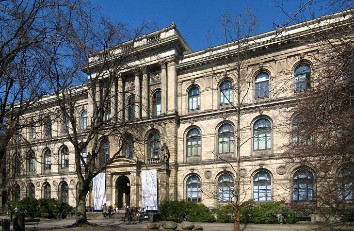 מוזיאונים בברלין: החלק החיצוני של מוזיאון הטבע