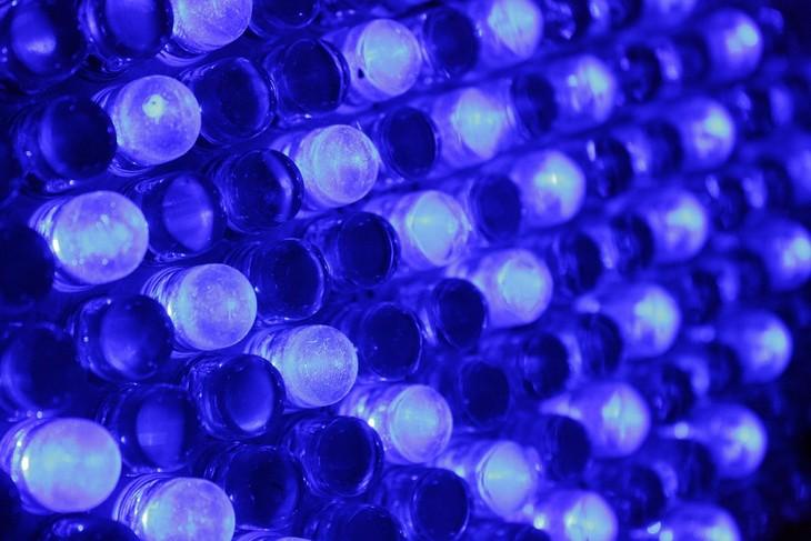 תגליות מדעיות לשמירה על הבריאות: נורות לד כחולות