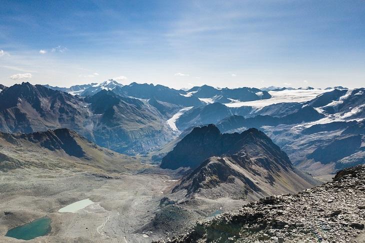 יעדים בטירול: הרים בדרך קרחון קאונרטל
