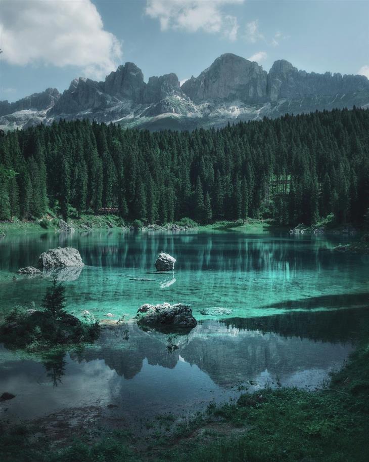 נופים מדהימים מרחבי העולם: אגם קארצה