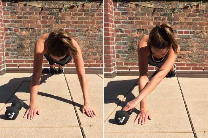 תרגילי כושר לבטן: אישה מדגימה כיצד לעשות את הפלאנק