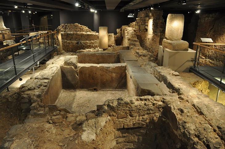 מוזיאונים בברצלונה: חורבות רומיות במוזיאון ההיסטוריה של ברצלונה