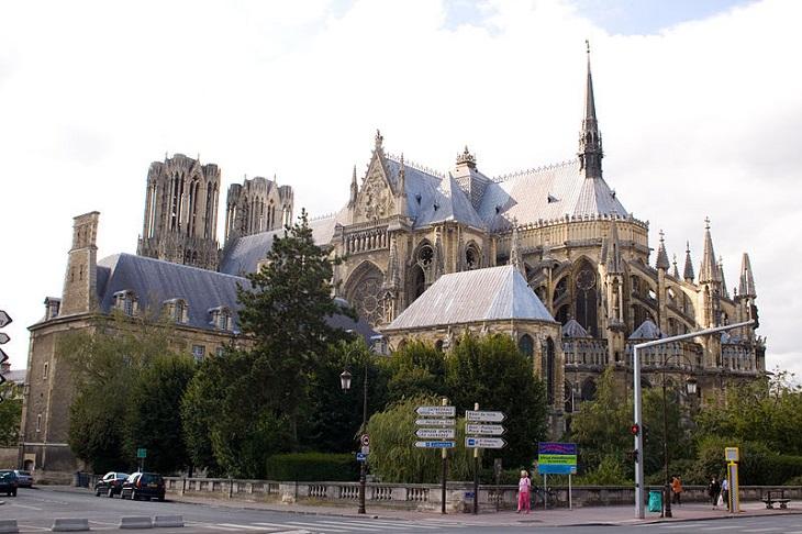 ערים גדולות בצרפת: ארמון טו בריימס