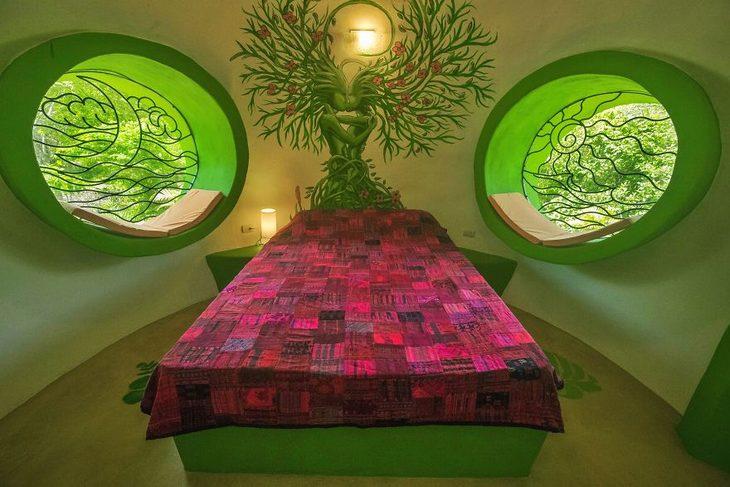 בניית בית חלומות בקוסטה ריקה: חדר שינה עם מיטה