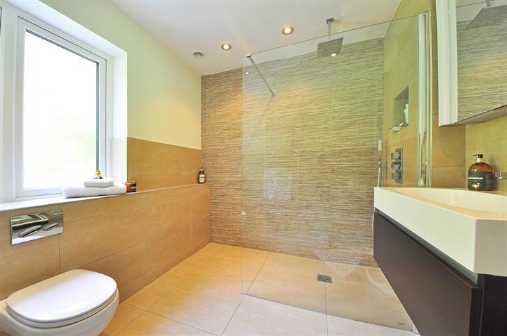 הוכחות לכך שאתם יותר עשירים ומבורכים ממה שחשבתם: חדר מקלחת