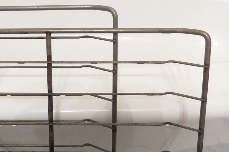 ניקוי תנור: מדף תנור נקי